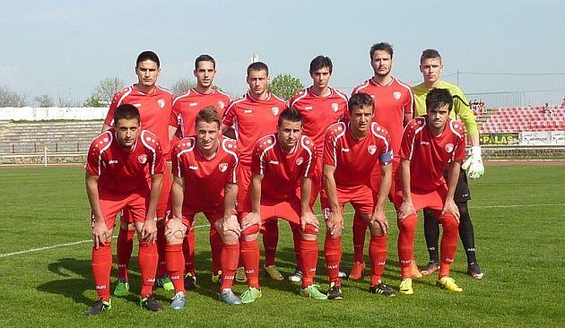 Fudbaleri Radnickog pre pocetka utakmice sa BSK-om