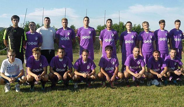 Fudbaleri Jadrana u komšijskom derbiju osvojili važne bodove u trci za opstanak u ligi.
